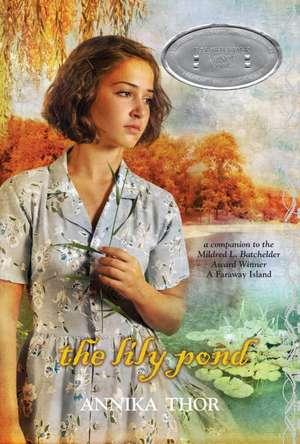The Lily Pond de Annika Thor