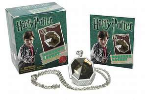 Harry Potter Locket Horcrux Kit and Sticker Book de Running Press