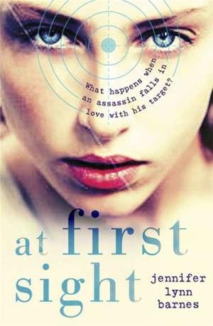 At First Sight de Jennifer Lynn Barnes