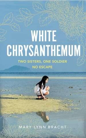 White Chrysanthemum de Mary Lynn Bracht