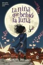 La Nina Que Bebio La Luna