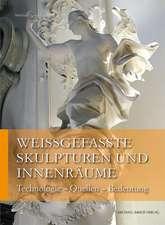 Weißgefasste Skulpturen und Innenräume